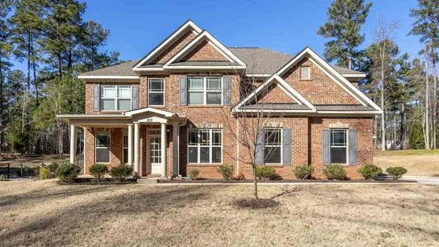 Photo 1 of 30 - 203 Blue Heron Dr, Youngsville, NC 27596