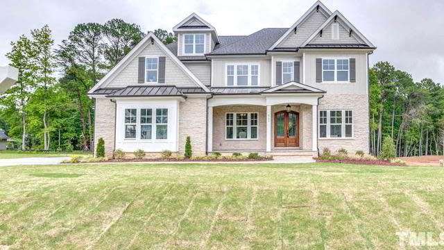 Photo 1 of 30 - 6108 Norwood Place Ct, Raleigh, NC 27613