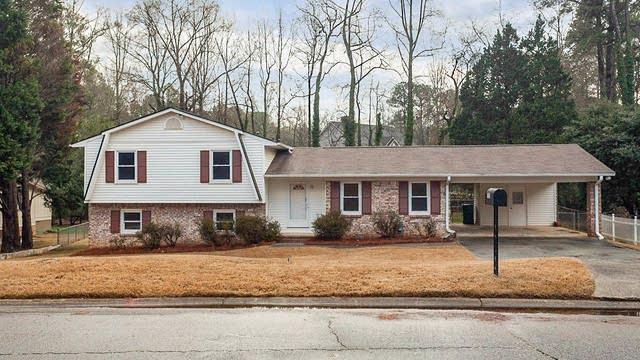 Photo 1 of 31 - 1525 Harbour Oaks Rd, Tucker, GA 30084