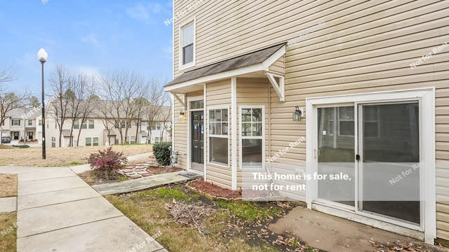 Photo 1 of 25 - 1221 Canyon Rock Ct #101, Raleigh, NC 27610