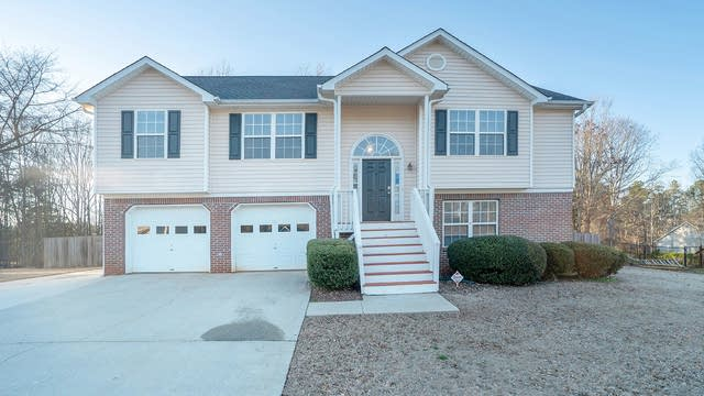 Photo 1 of 16 - 4315 Windfield Dr, Flowery Branch, GA 30542