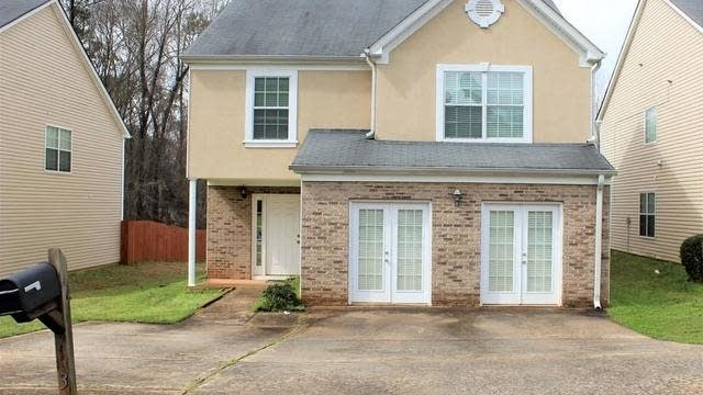 Photo 1 of 28 - 7631 Crimson Ct, Jonesboro, GA 30236