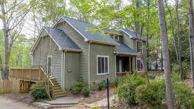 Photo 1 of 30 - 8109 Brookwood Ct, Raleigh, NC 27613