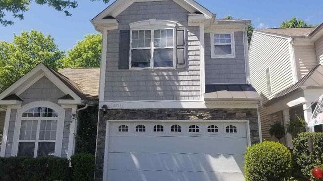Photo 1 of 8 - 8211 Beaded Stone St, Raleigh, NC 27613