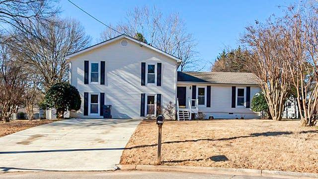 Photo 1 of 23 - 3988 Gladwyn Ct, Duluth, GA 30096