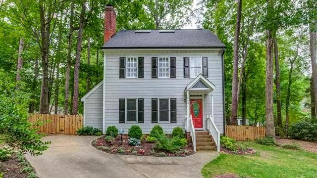 Photo 1 of 30 - 6901 Sandringham Dr, Raleigh, NC 27613