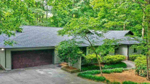 Photo 1 of 29 - 8520 Valley Brook Dr, Raleigh, NC 27613