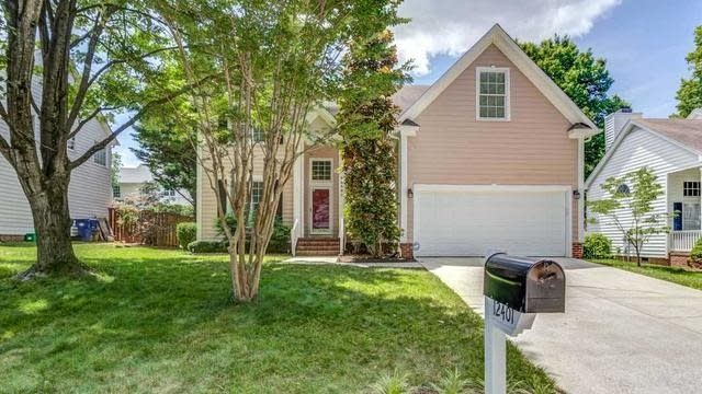 Photo 1 of 30 - 12401 Harcourt Dr, Raleigh, NC 27613