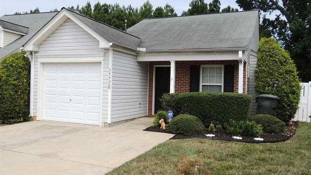 Photo 1 of 30 - 5440 Roan Mountain Pl, Raleigh, NC 27613