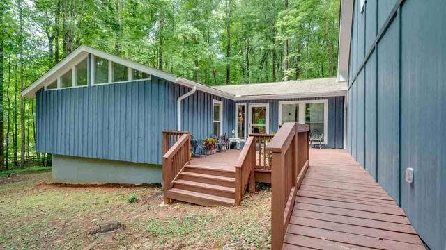 Photo 1 of 29 - 7302 Kemp Rd, Raleigh, NC 27613