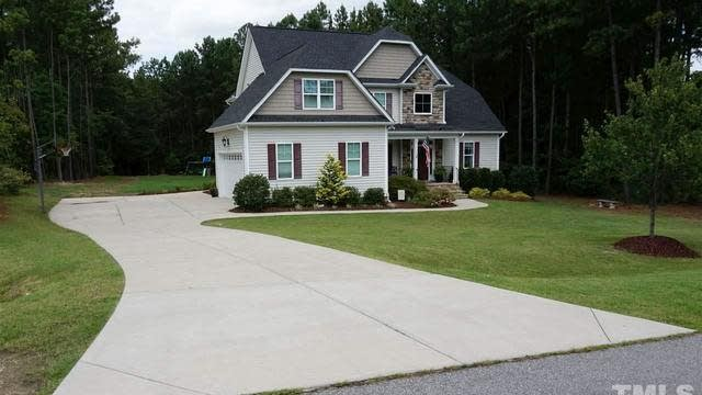 Photo 1 of 8 - 25 Carriden Dr, Youngsville, NC 27596