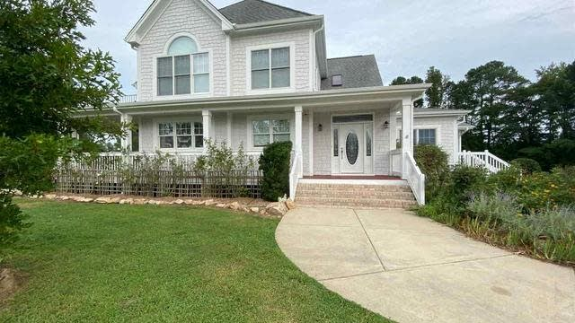 Photo 1 of 30 - 687 Nc 96 Hwy E, Youngsville, NC 27596