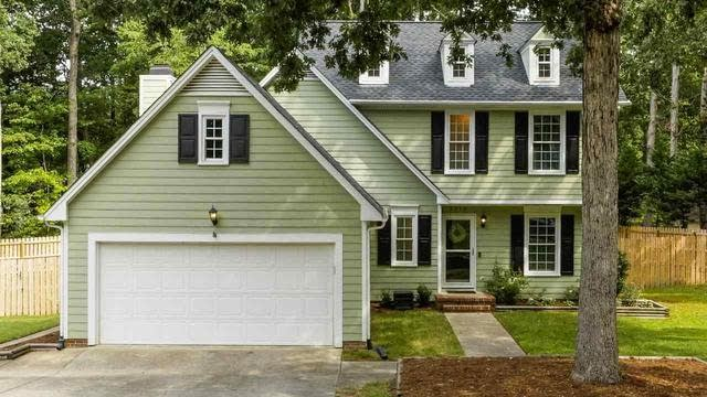 Photo 1 of 30 - 5516 Banwell Pl, Raleigh, NC 27613