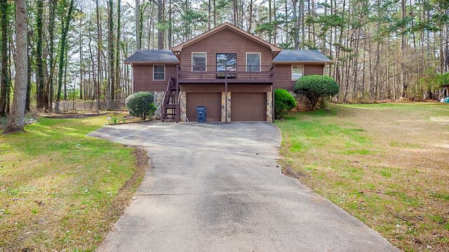 Photo 1 of 27 - 4026 Hickory Hollow Dr, Douglasville, GA 30135