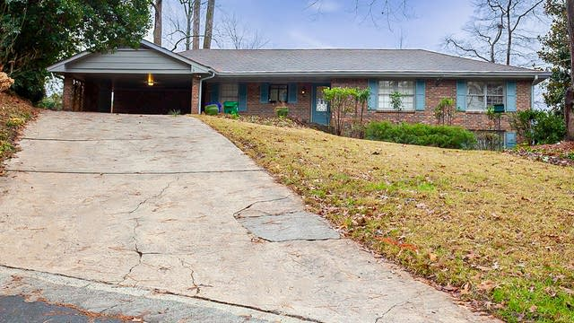 Photo 1 of 33 - 2715 Claridge Ct, Atlanta, GA 30360