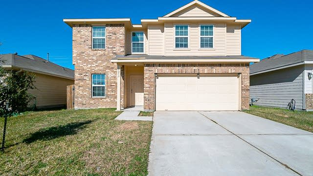 Photo 1 of 39 - 11218 Kingsnorth Dr, Tomball, TX 77375