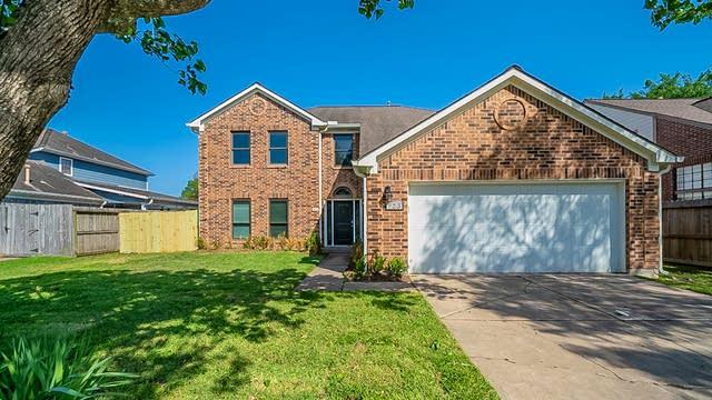 Photo 1 of 38 - 723 Heathgate Dr, Houston, TX 77062