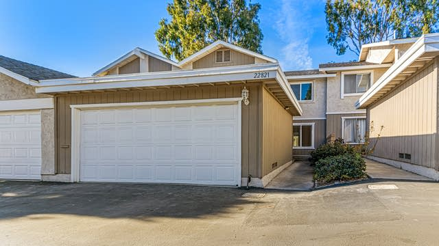Photo 1 of 27 - 22821 Leo Ln, Lake Forest, CA 92630