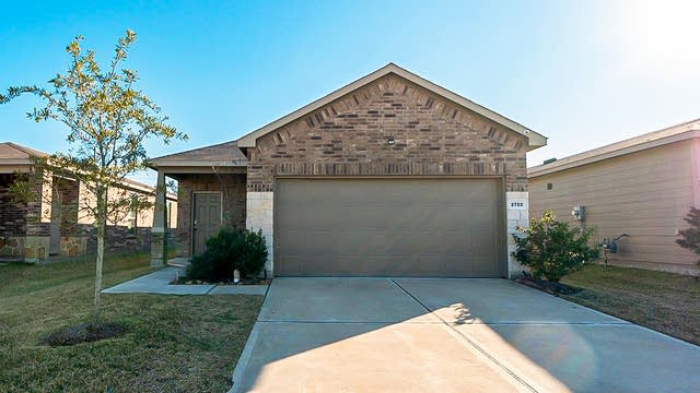 Photo 1 of 25 - 2722 Skyview Long Dr, Houston, TX 77047