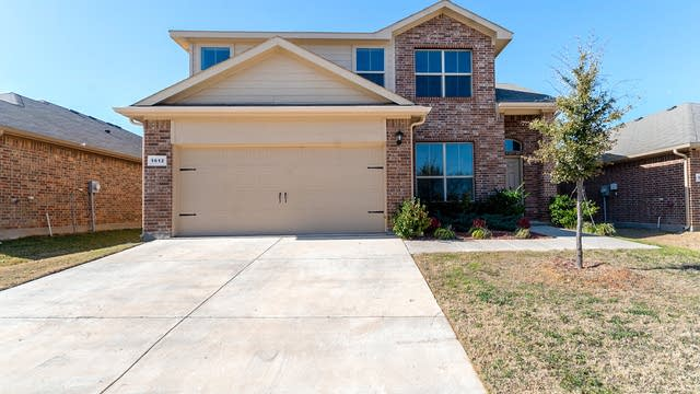 Photo 1 of 23 - 1612 Berckmans Rd, Fort Worth, TX 76120