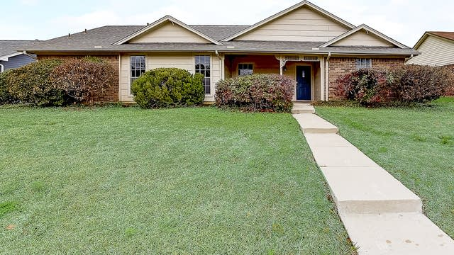 Photo 1 of 38 - 1121 Woodrow Dr, Lewisville, TX 75067