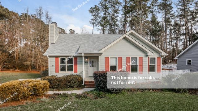 Photo 1 of 27 - 3524 Castlegate Dr, Raleigh, NC 27616