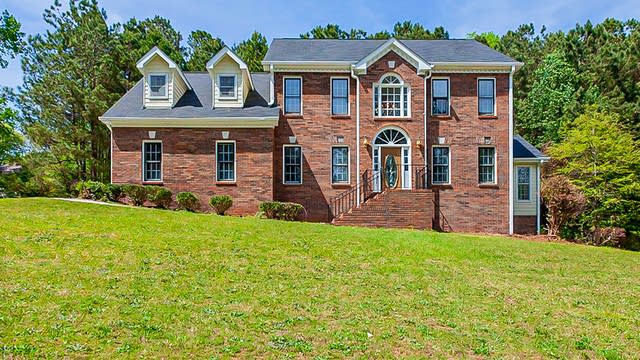 Photo 1 of 34 - 3841 Mountain Cove Rd, Snellville, GA 30039