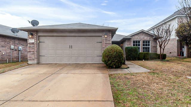 Photo 1 of 15 - 532 Lead Creek Dr, Fort Worth, TX 76131