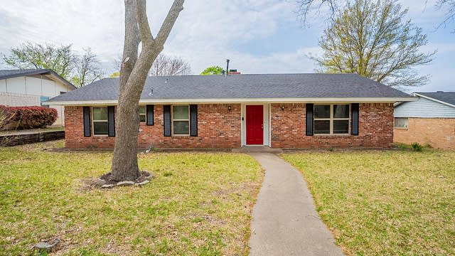 Photo 1 of 22 - 2536 Club Manor Dr, Dallas, TX 75237