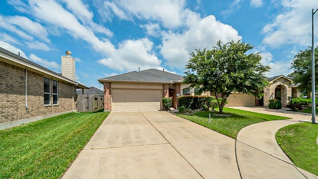 Photo 1 of 32 - 1915 Spring Cliff Ct, Spring, TX 77373