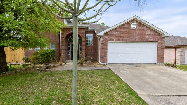 Photo 1 of 27 - 210 Havenwood Ln, Garland, TX 75043