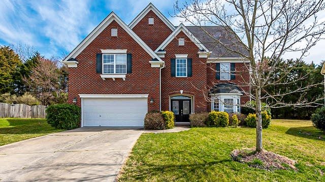 Photo 1 of 24 - 14910 Taggert Trail Dr, Charlotte, NC 28273