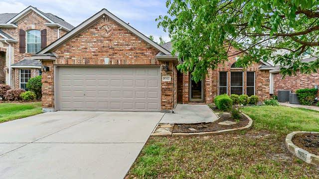 Photo 1 of 23 - 9312 Bayard St, Fort Worth, TX 76244