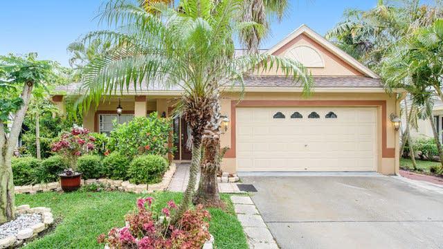 Photo 1 of 19 - 1690 Meadow Oak Ln, Tarpon Springs, FL 34689