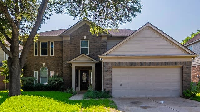 Photo 1 of 29 - 2913 Veva Dr, Pearland, TX 77584