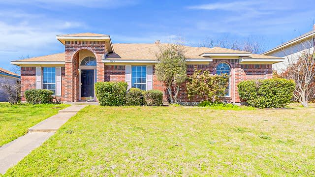 Photo 1 of 21 - 1025 Wentwood Dr, DeSoto, TX 75115