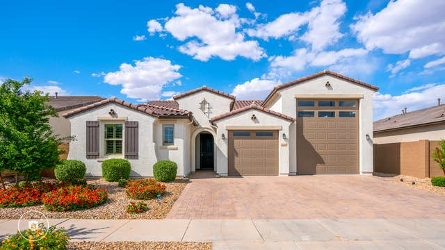 Photo 1 of 30 - 16070 W Desert Hills Dr, Surprise, AZ 85379
