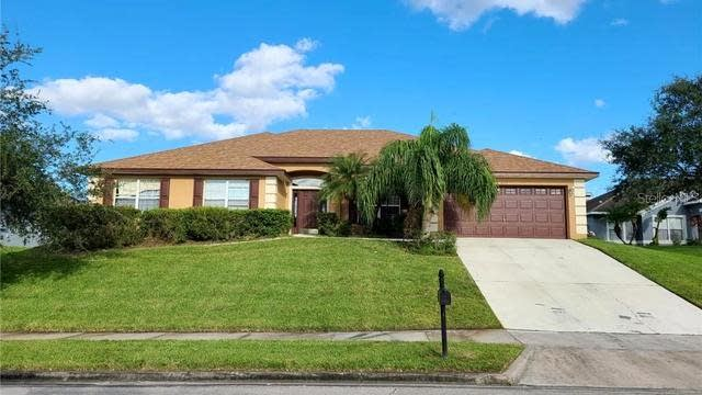 Photo 1 of 14 - 627 Hearthglen Blvd, Winter Garden, FL 34787