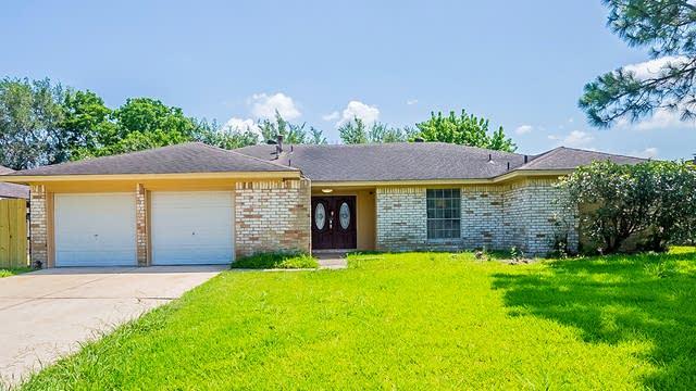 Photo 1 of 21 - 10715 Kirkvale Dr, Houston, TX 77089