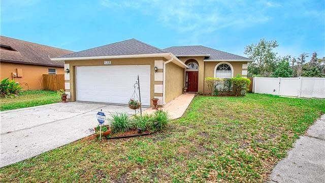 Photo 1 of 26 - 2952 Autumn Run Pl, Orlando, FL 32822
