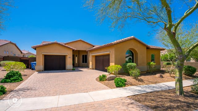 Photo 1 of 30 - 9014 S 15th Way, Phoenix, AZ 85042