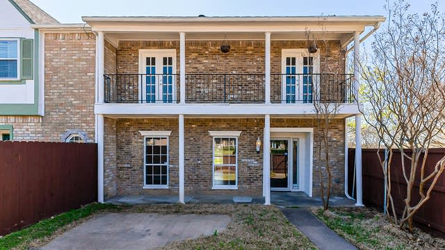 Photo 1 of 25 - 610 Trailwood Ct, Garland, TX 75043