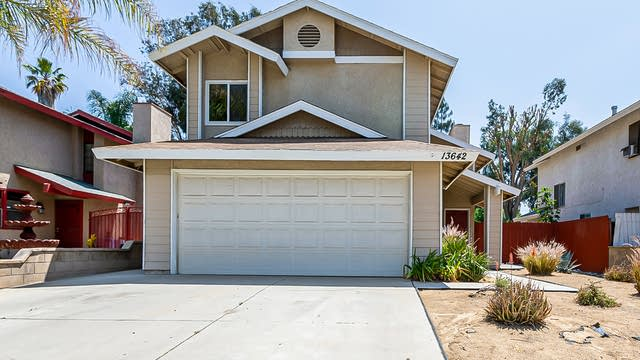 Photo 1 of 20 - 13642 Blue Spruce Ct, Moreno Valley, CA 92553