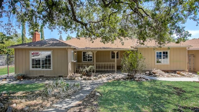 Photo 1 of 34 - 8132 Holly Dr, Citrus Heights, CA 95610