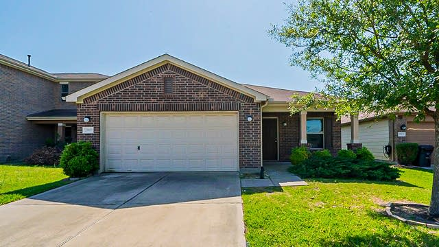 Photo 1 of 30 - 29117 Legends Wick Dr, Spring, TX 77386