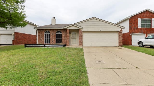 Photo 1 of 27 - 403 Hollyberry Dr, Mansfield, TX 76063