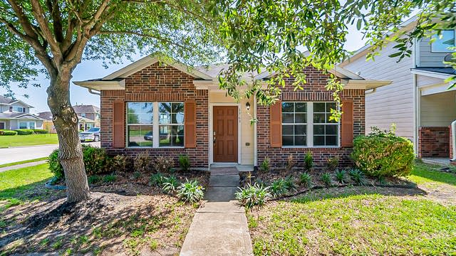 Photo 1 of 28 - 1763 Nichole Woods Dr, Houston, TX 77047