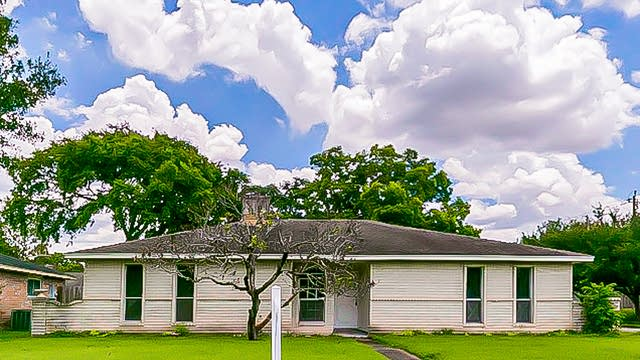 Photo 1 of 18 - 6231 Meadway Dr, Houston, TX 77072