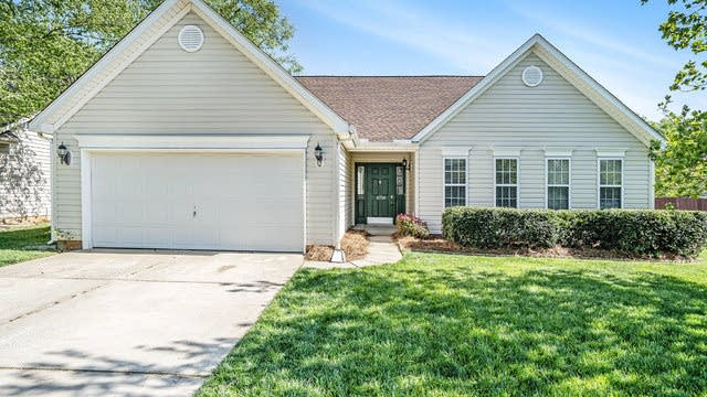 Photo 1 of 20 - 11718 Black Maple Ave, Charlotte, NC 28269