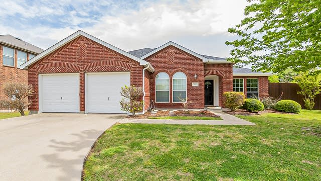Photo 1 of 32 - 501 Wolf Dr, Forney, TX 75126